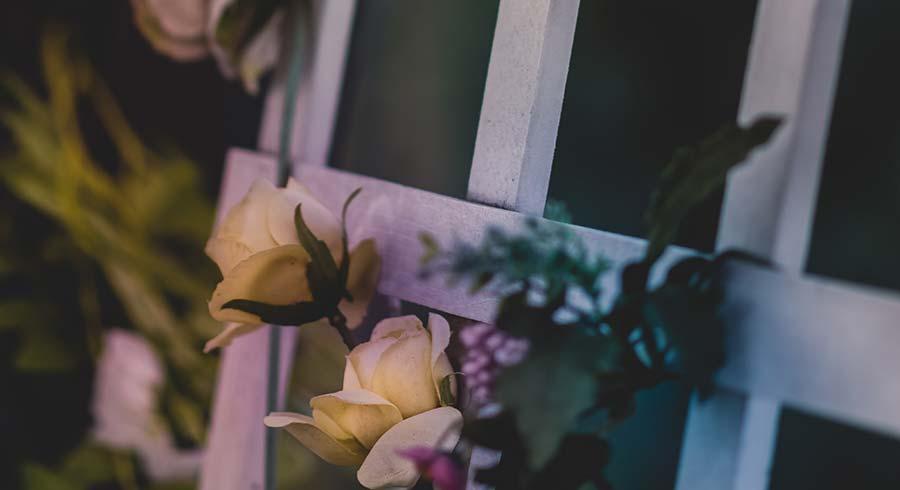 Servicios funerarios y de envío de flores en el Tanatorio de Fuenlabrada